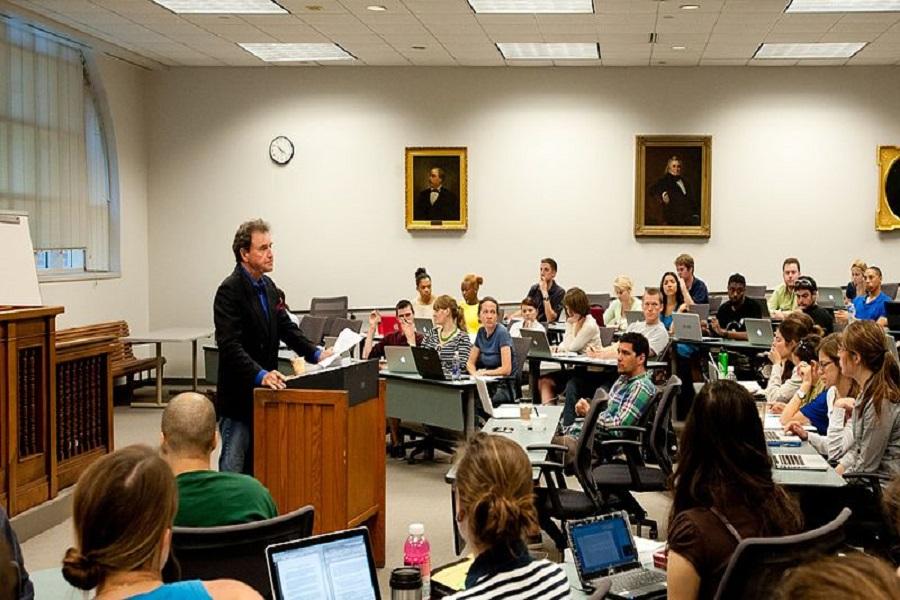 Pourquoi préparer votre mastère dans une école supérieure de droit?